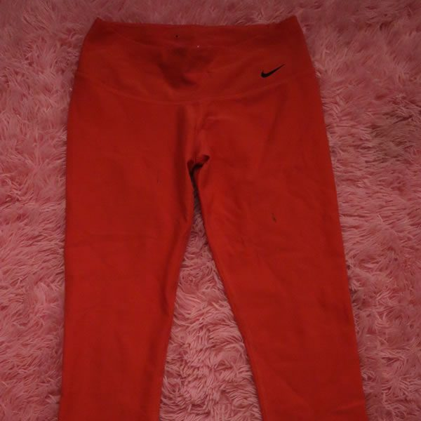 Nike Capri Athletic Pants